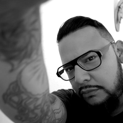 Robert Guzman 7's avatar