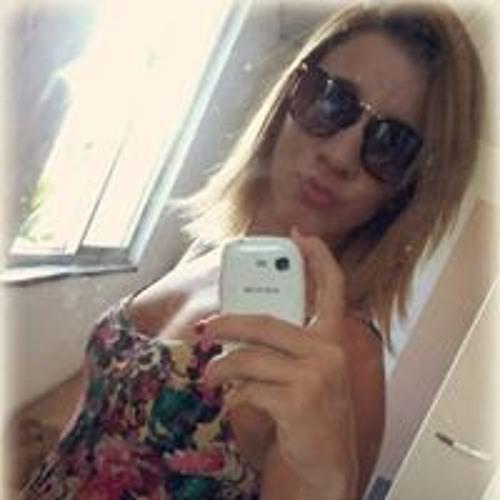 Rafaelle Oliveira's avatar