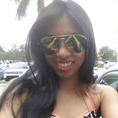 Julia Tran's avatar