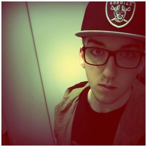 Sveny Anyway's avatar