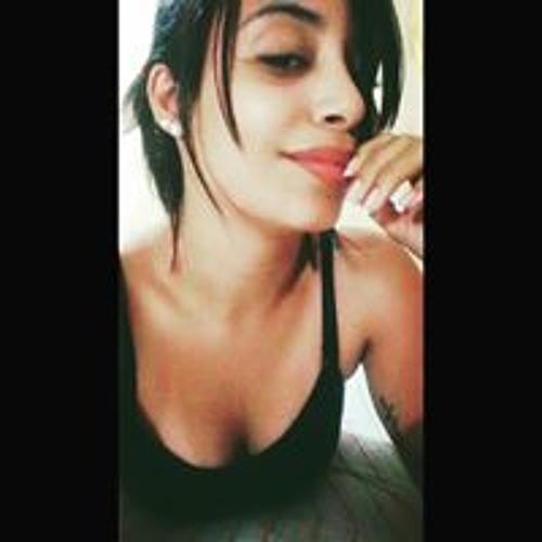 Gabriela Oliveira's avatar
