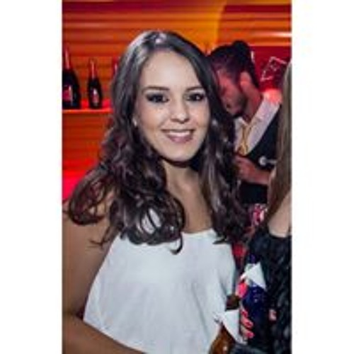 Amanda Gomes Pereira's avatar