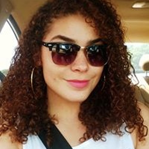 Carol Ferreira's avatar