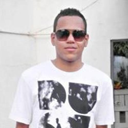 Guilherme Manhães's avatar