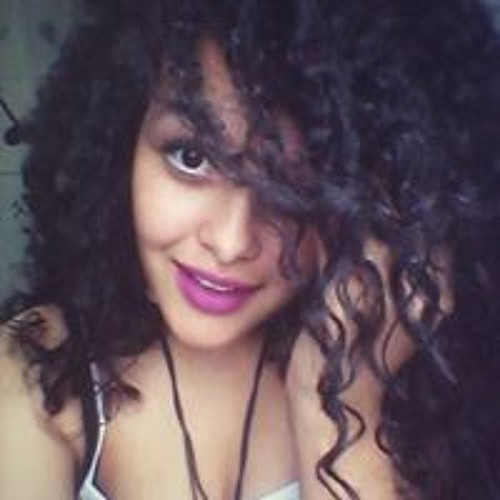 Luana Cristina's avatar