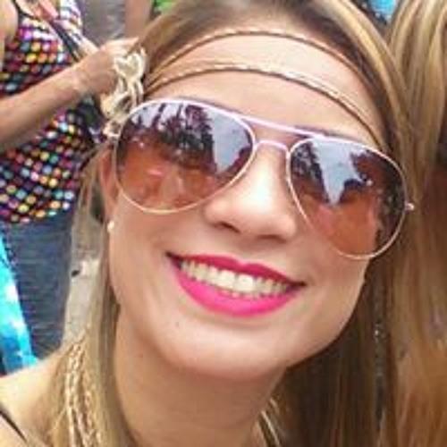 Tatiana Victória's avatar
