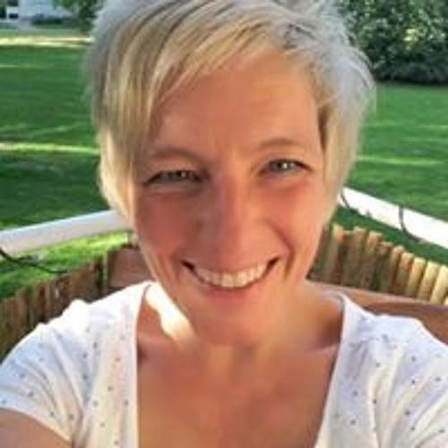 Anja Dziuballe's avatar