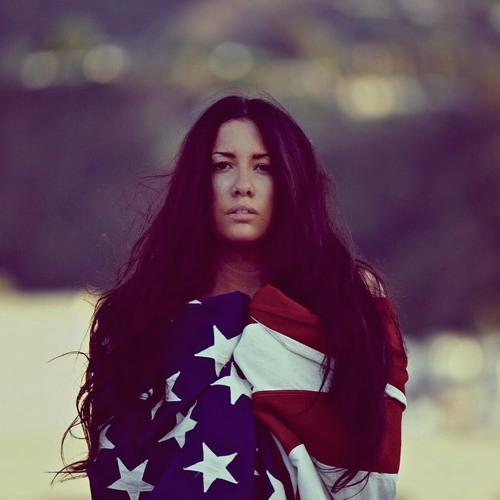 Kristina Antuna's avatar