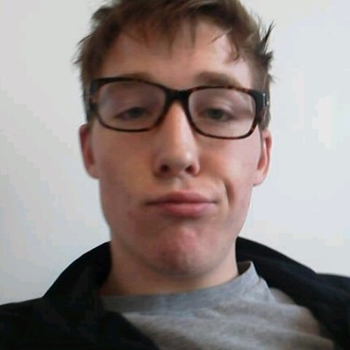 (+_i_+)'s avatar