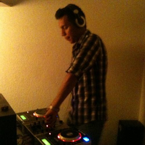 Armando Marroquin's avatar