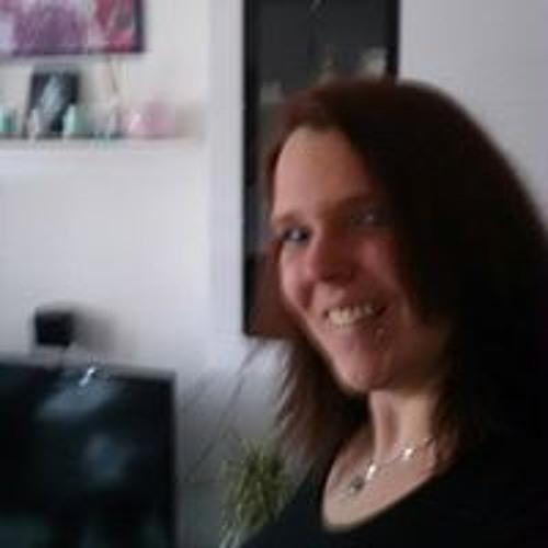 Melanie Kim Sopha's avatar