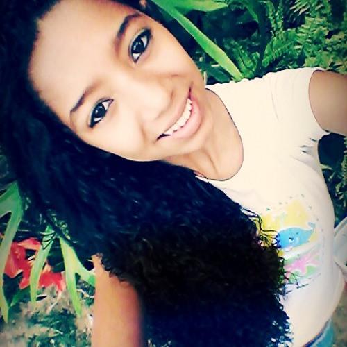 tatiane<3's avatar
