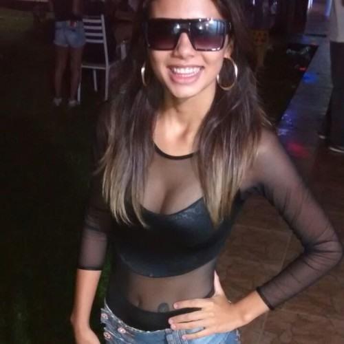 Nayara Melina's avatar