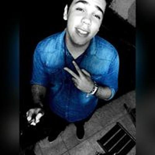 Nicolas Oliveira's avatar