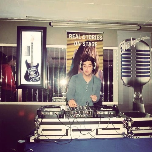DJ Dee Steyn's avatar
