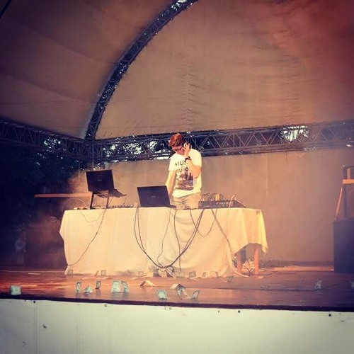DJ Stratusa's avatar