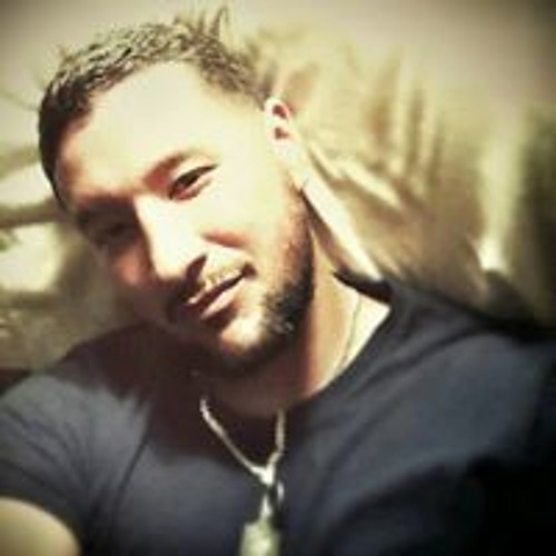 Adrian  Rojas's avatar