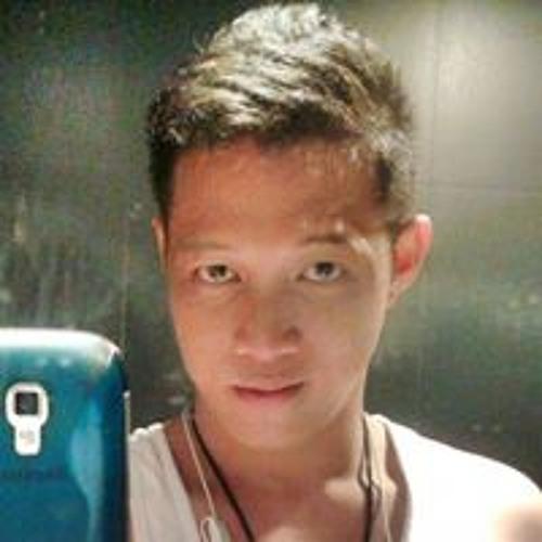 Rhaymond Enaje's avatar