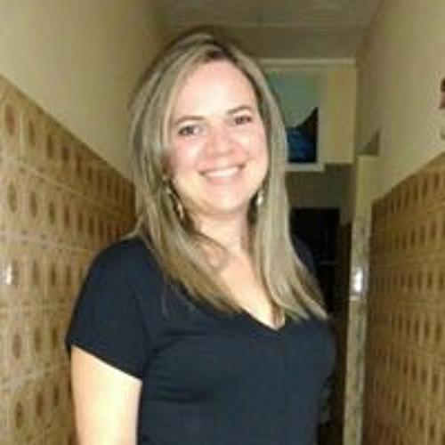 Regina Sousa's avatar