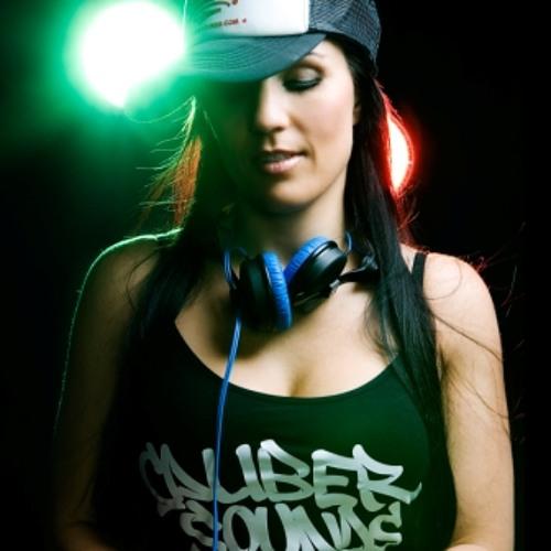 Alexandra Ruinota's avatar