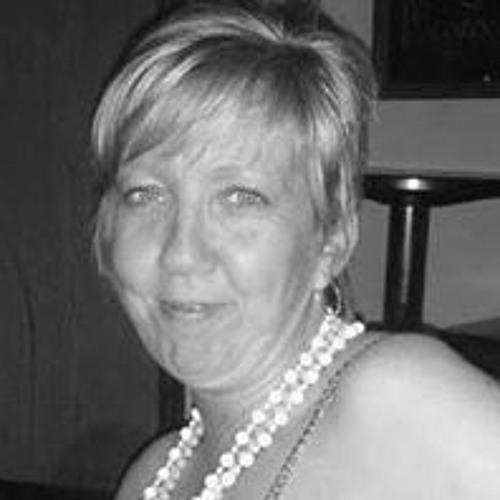 Shelley Loftus's avatar