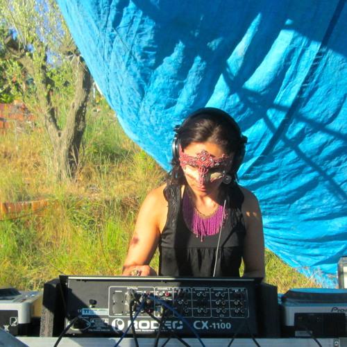 DJ Miss Nish's avatar