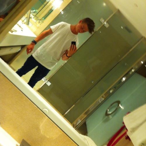 Lachy Henson's avatar