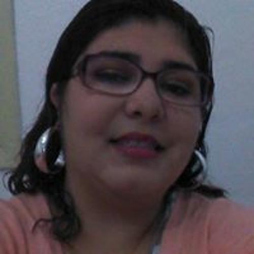 Gabriela Medeiros's avatar