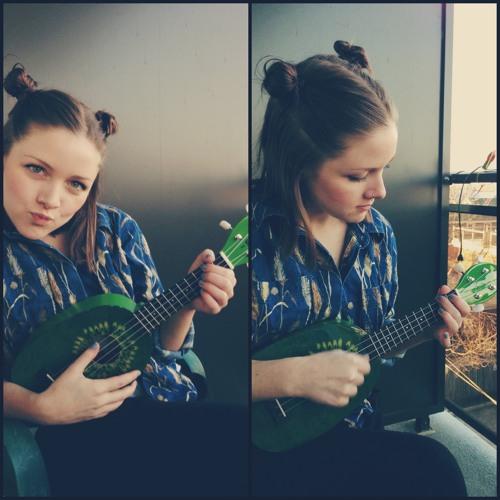 Felicity DeCarle's avatar