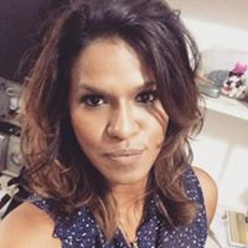 Tatiane Metzker's avatar