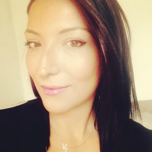 Naila's avatar