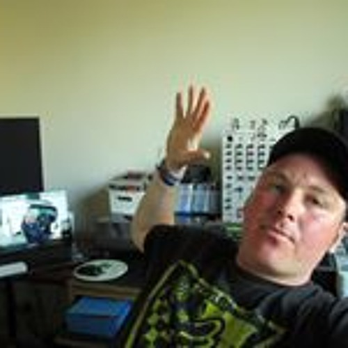 Lee Turnough's avatar