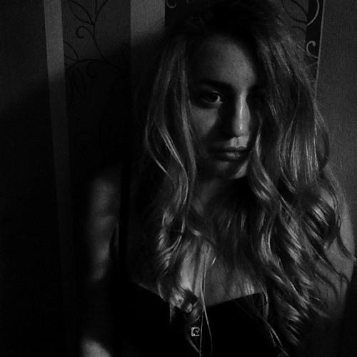 Polly Kotova's avatar