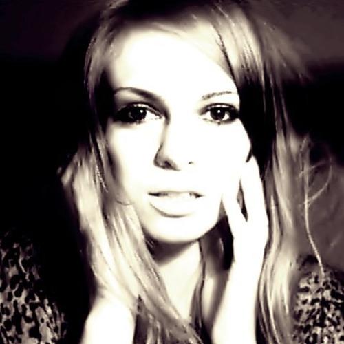 Monika Emat / Monvillea's avatar