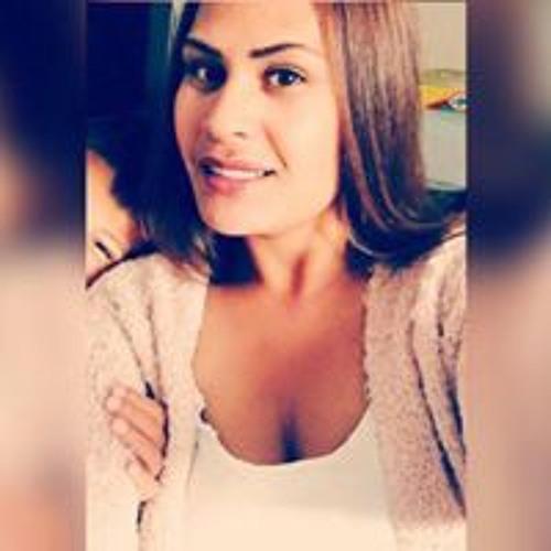 Titi Laudia Refwutu's avatar