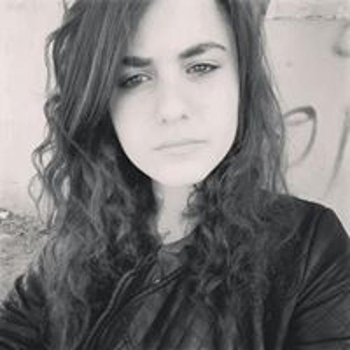 Yasmine Achouri's avatar