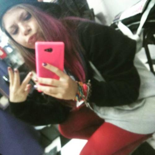 Priscila Prixietnk's avatar