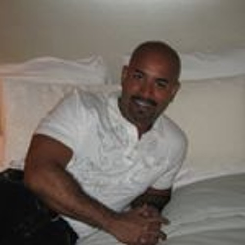 Mark Robles's avatar