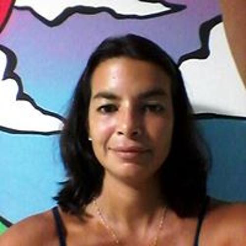 Carol Costa's avatar