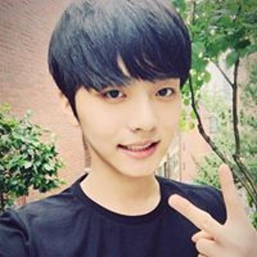 Chag Eui  Lee's avatar