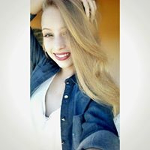 Tainá Luppi's avatar
