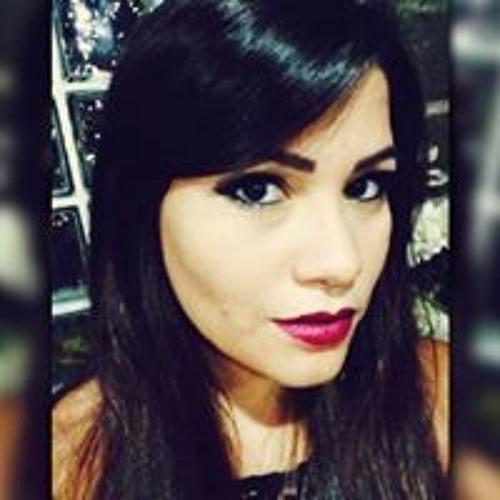 Julia Monteiro Lisboa's avatar