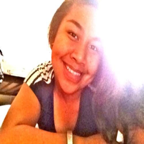 Nina ' Fredrick's avatar