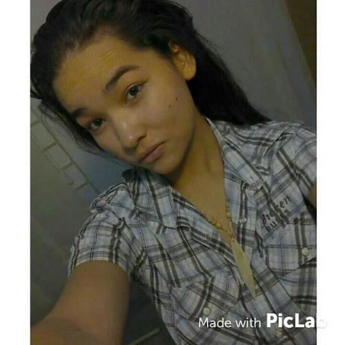 Karinne Correia's avatar