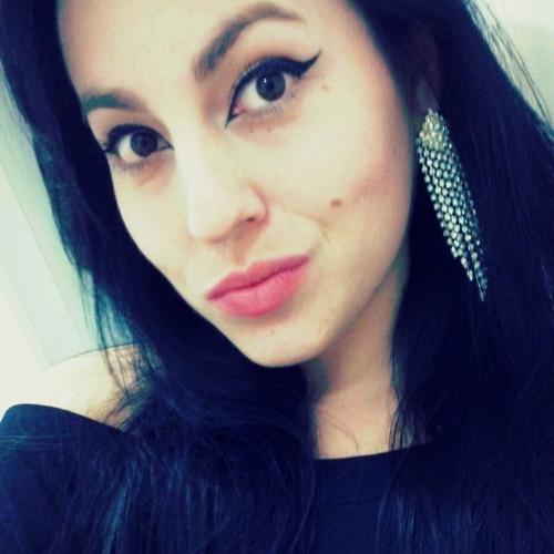 Cyntia Saray's avatar