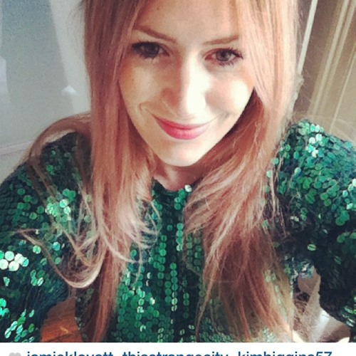 Lisa Stardust's avatar