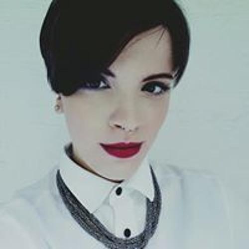 Carmen Drng's avatar