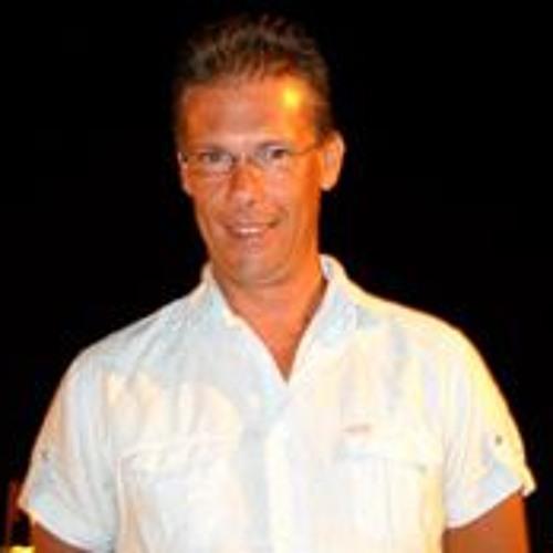 Daniel Domingos's avatar