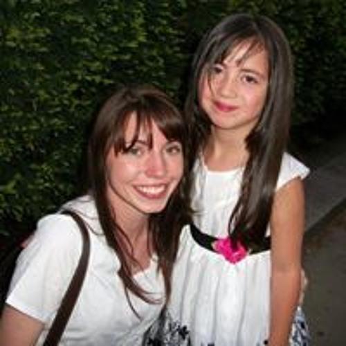 Chelsea Rosario's avatar