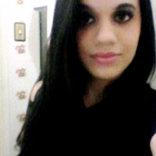 Luana Medeiros's avatar